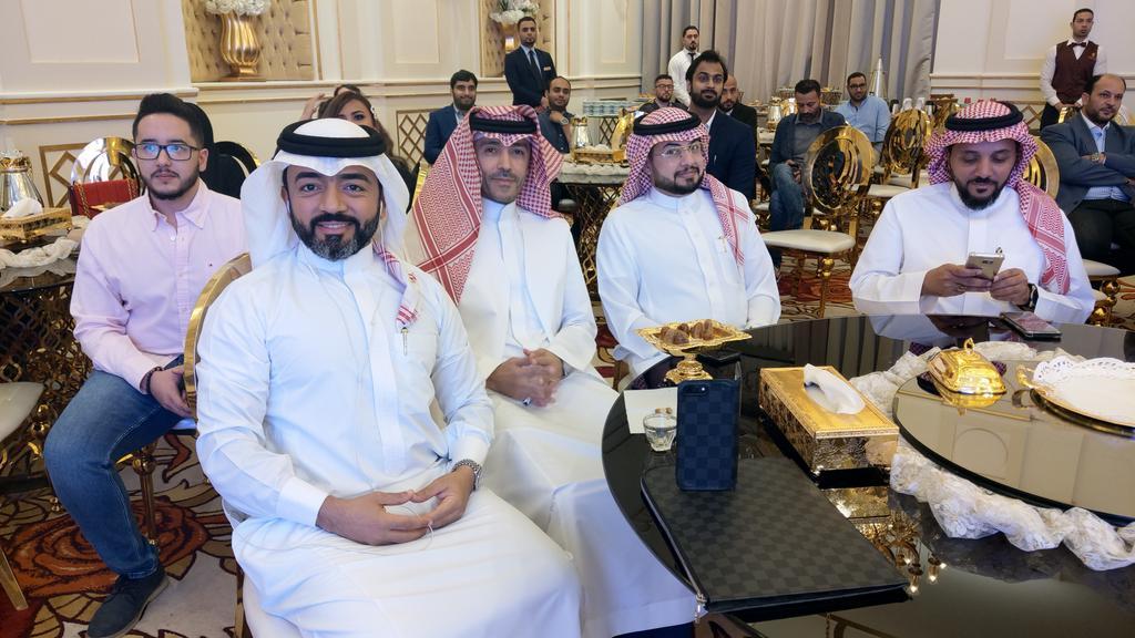 حضور المذيعين لحفل عشاء عملاء مكس إف إم