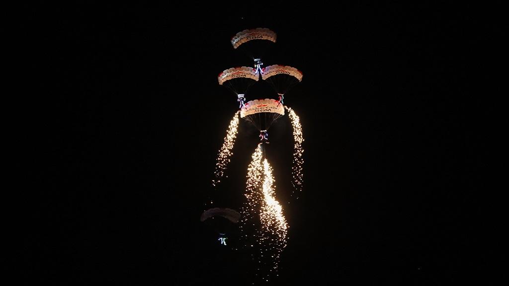 صورة للمشاركين في بطولة القفز الحر سووب